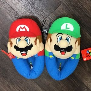 Other - NWT Mario and Luigi Kids Slippers, Sz 11-12